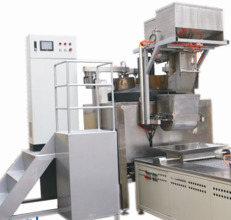 Auto sugar boiling machine